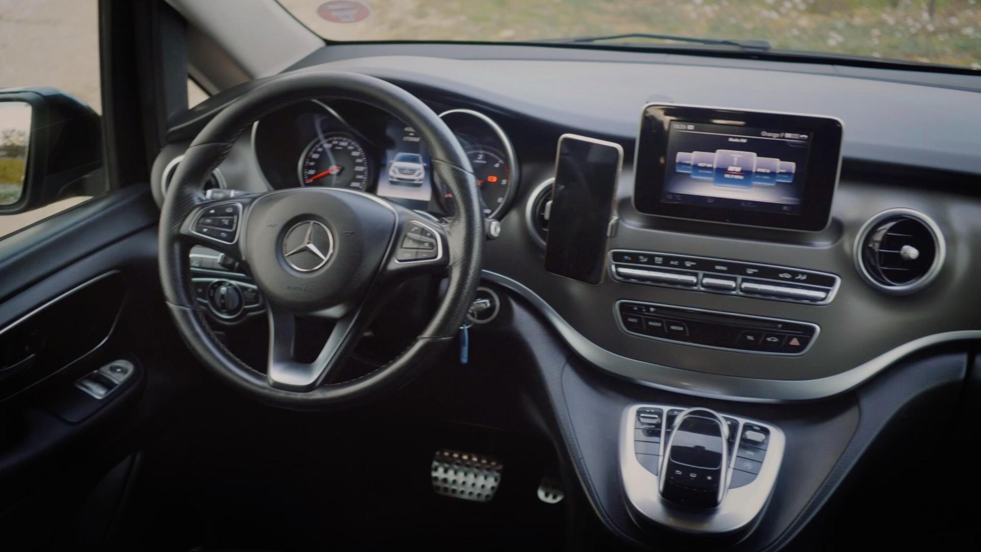 AM TRANSFERT - Mercedes Class V - Intérieur