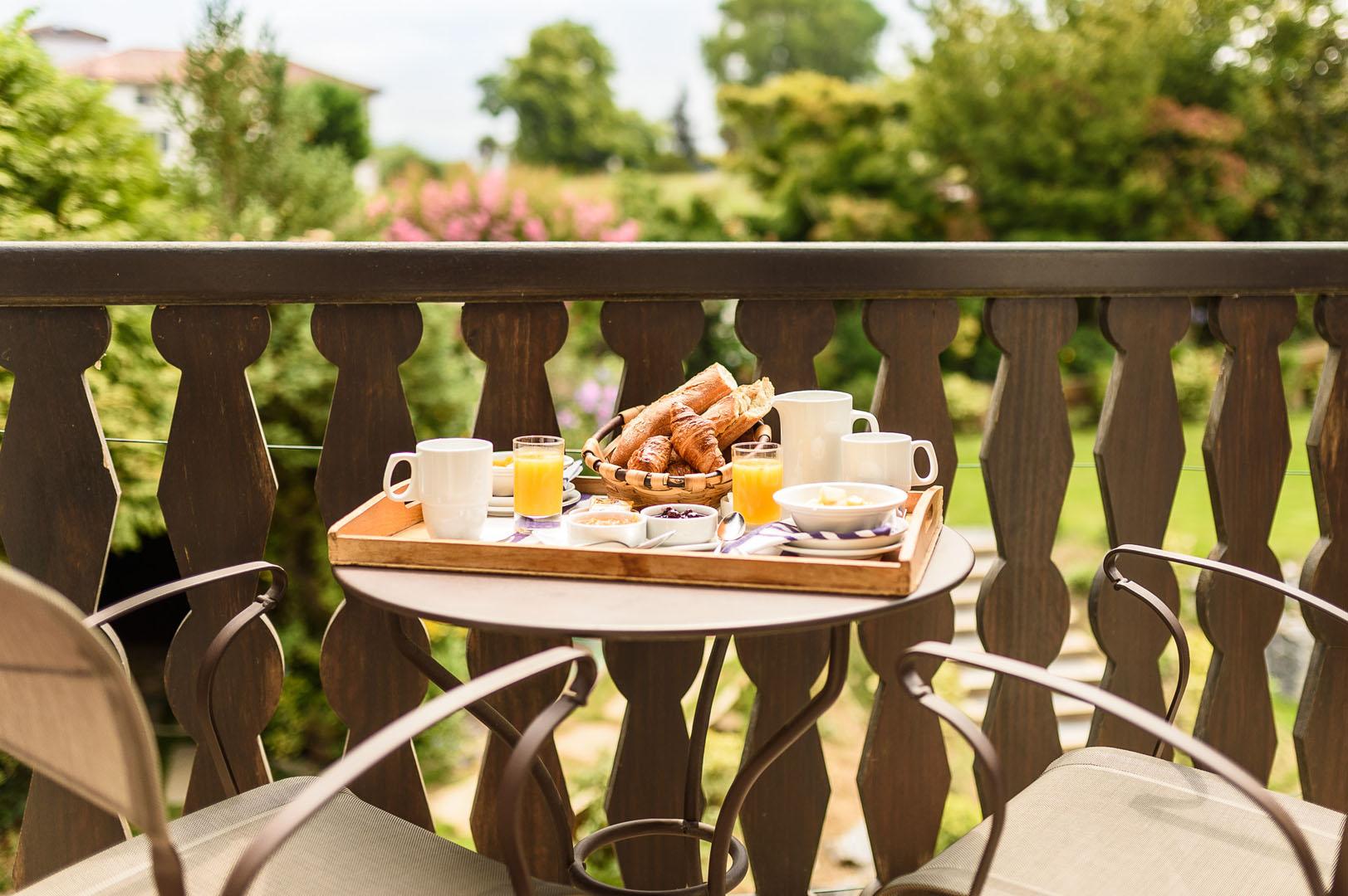 お部屋での朝食
