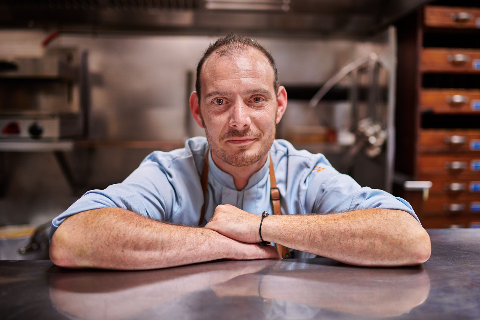 Portrait of Chef Remy Le Charpentier - restaurant arraya