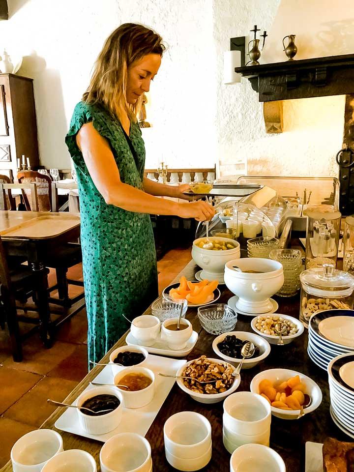 Buffet de petit déjeuner Hôtel Arraya