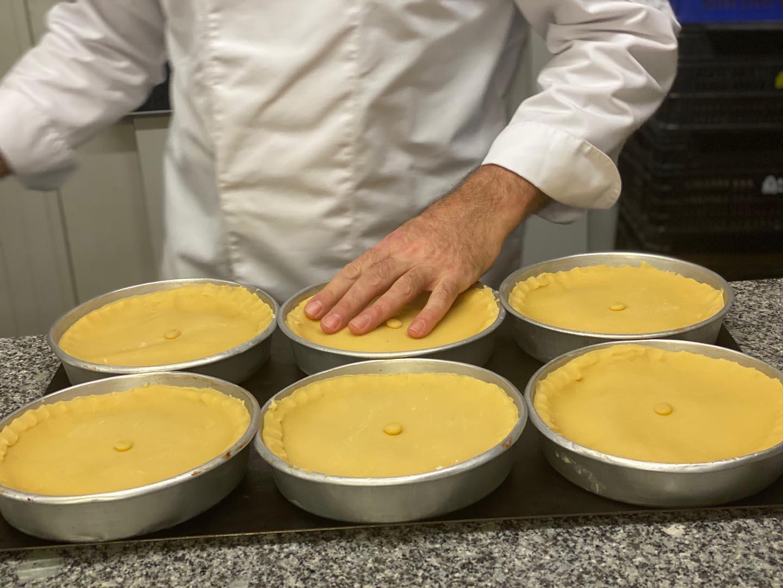 Preparation of the Basque Arraya cake
