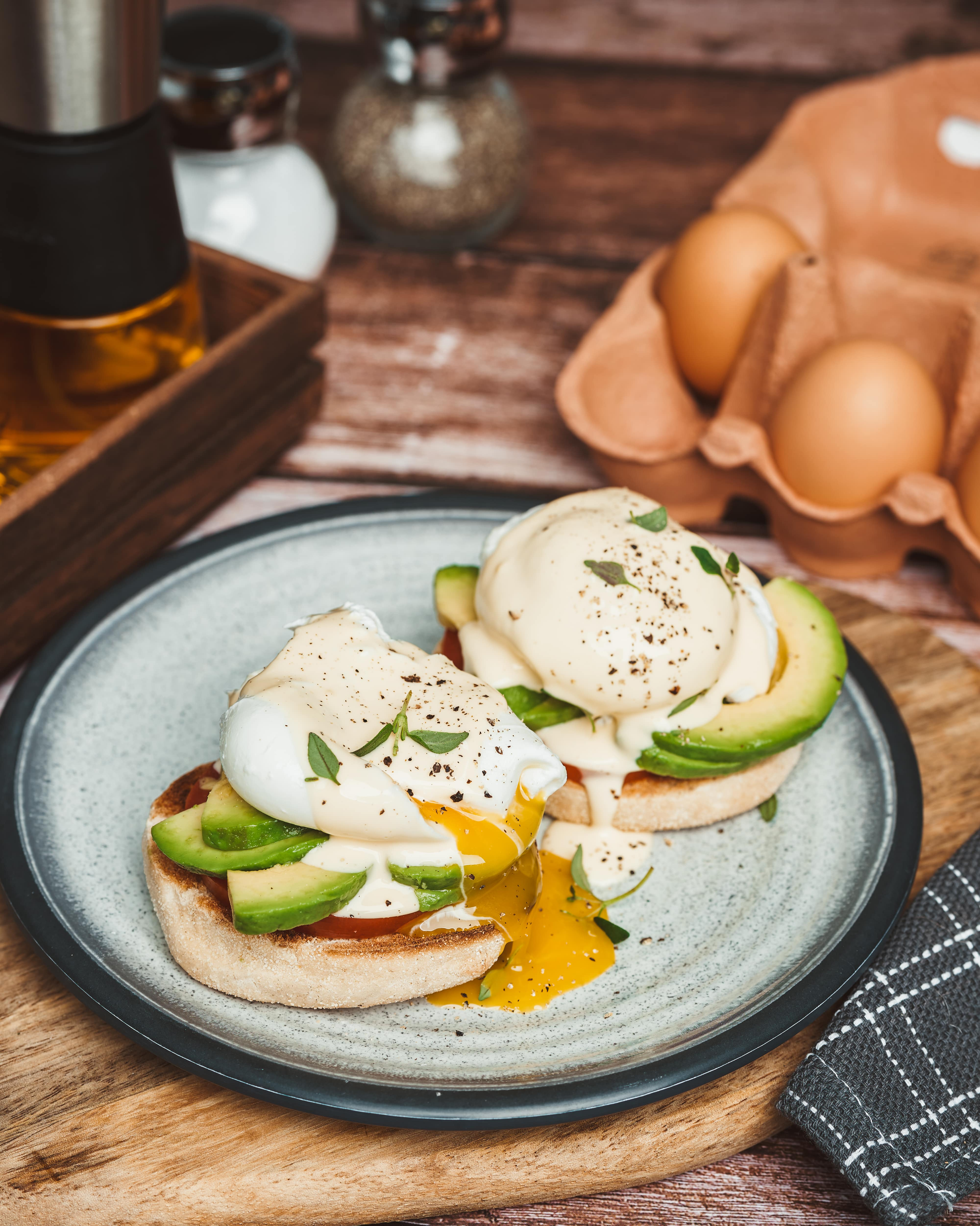 How To Make The Perfect Purely Organic Poached Eggs - 3 Ways