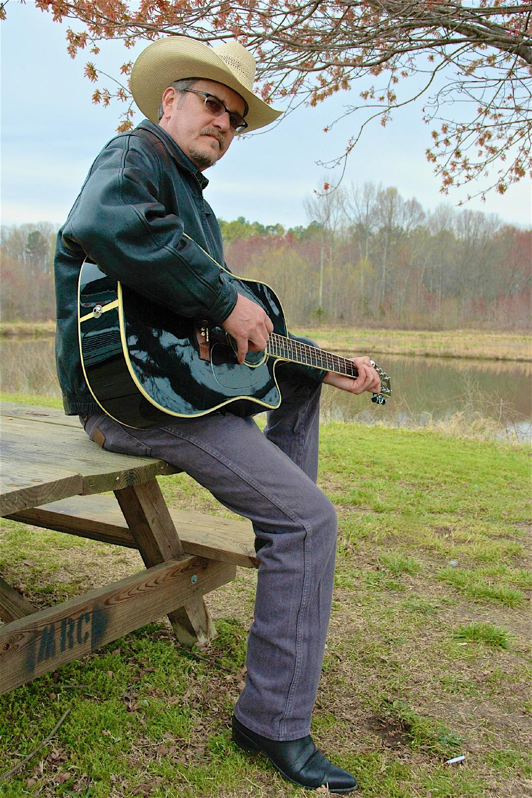 OUTDOOR CONCERT - COUNTRY CLASSICS WITH BRAD SPIVEY