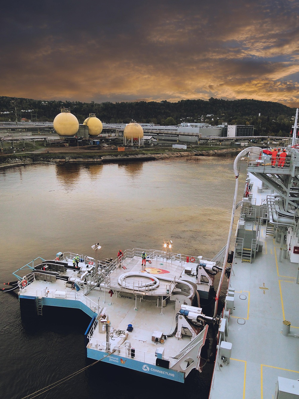 UTS LNG transfer in sunset.