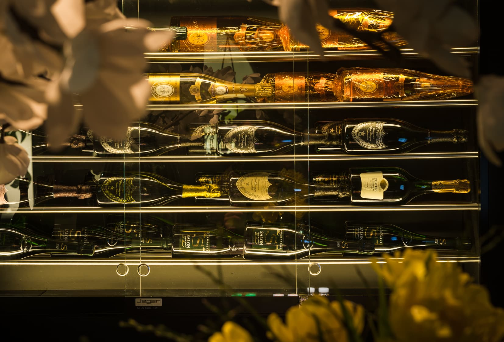 Champagner Display in AURORA Bar