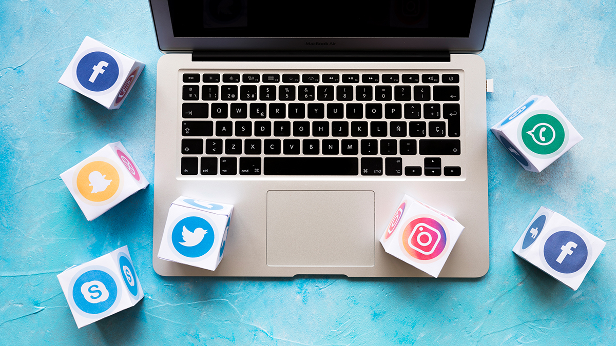 HOW TO BUILD AN ENTREPROFESSIONAL'S SOCIAL MEDIA FOLLOWING IN 2020
