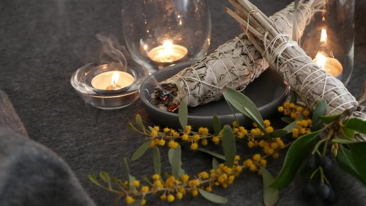 Dried,White,Sage,Smudge,Stick,,Relaxation,And,Aromatherapy.,Smudging,During