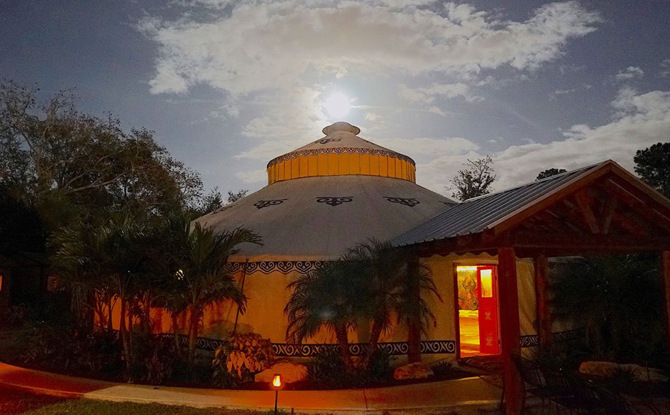 Soul Quest, Florida. Behold Retreats, a wellness company that specialises in the therapeutic use of plant-based medicine to aid in personal and spiritual growth. Plant medicine, ayahuasca, psychedelics, psilocybin, 5-meo DMT.