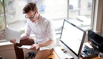 freelancer-on-desk