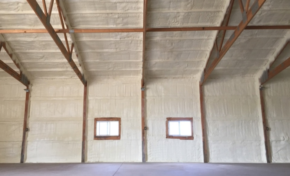 7 Benefits Of Using Closed-Cell Spray Foam Insulation In Your Metal Building