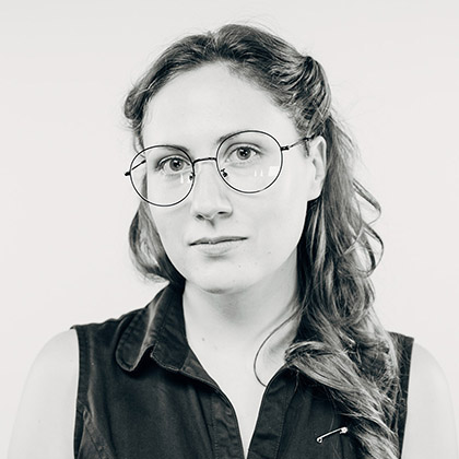 As a member of communication design and video production team at HAX, Lisa helps startups with their branding, visual identity, visual storytelling, videography, and photography.