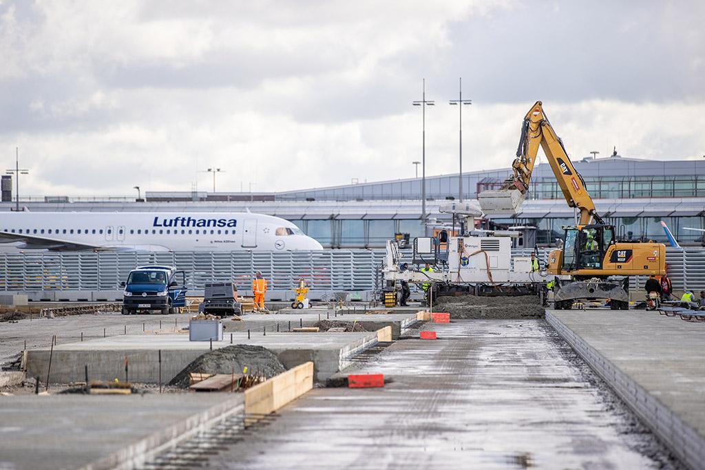 """irport Hamburg Überwachung der Erneuerung der Flugbetriebsflächen am Hamburger Verkehrsflughafen """"Helmut Schmidt""""."""