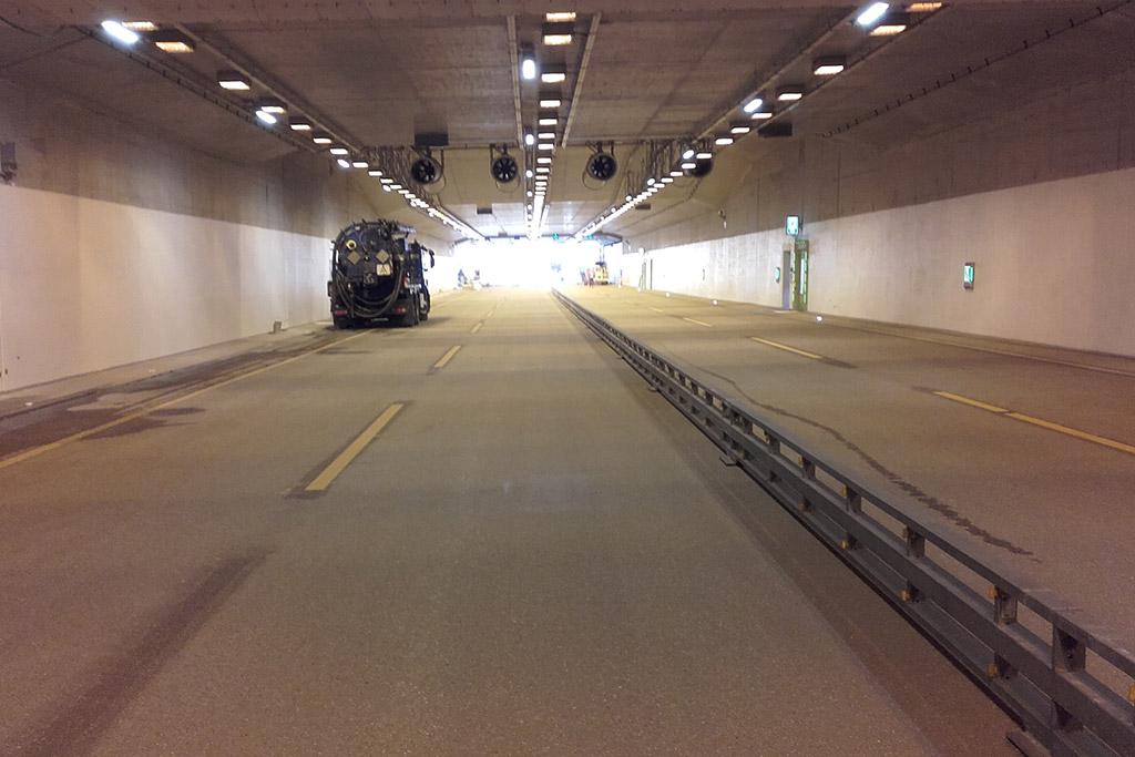 Tunnel Hamburg-Schnelsen Überwachung des Betons nach DIN 1045-3 / ÜKII s