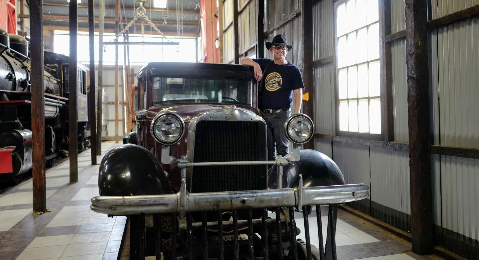 """Buick on Rails """"Al Capone,"""" Machacamarca"""