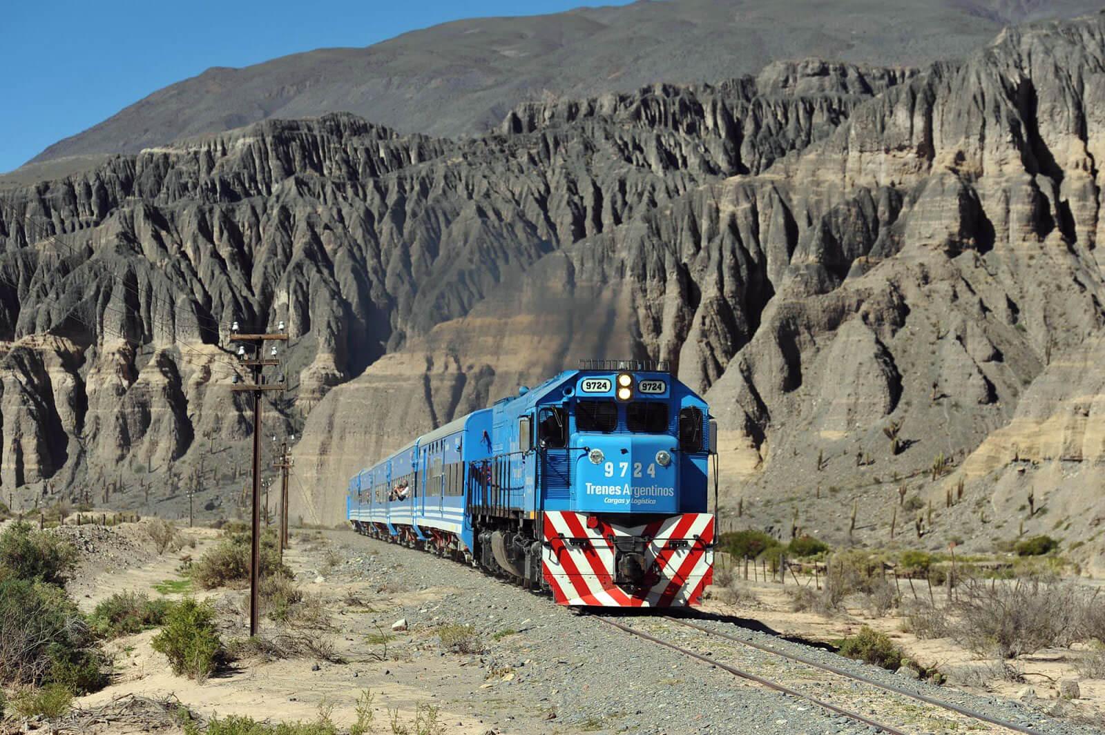 Tren a las Nubes on its way to San Antonio de los Cobres