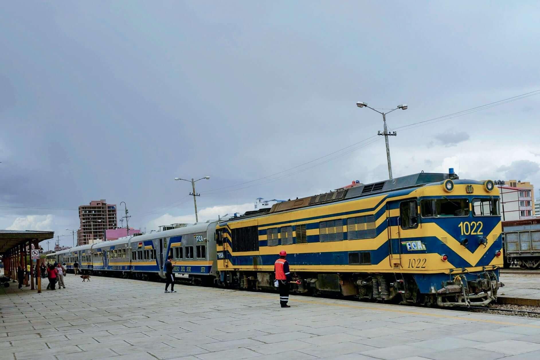 Expreso del Sur in Oruro waiting for departure to Uyuni and Villazon