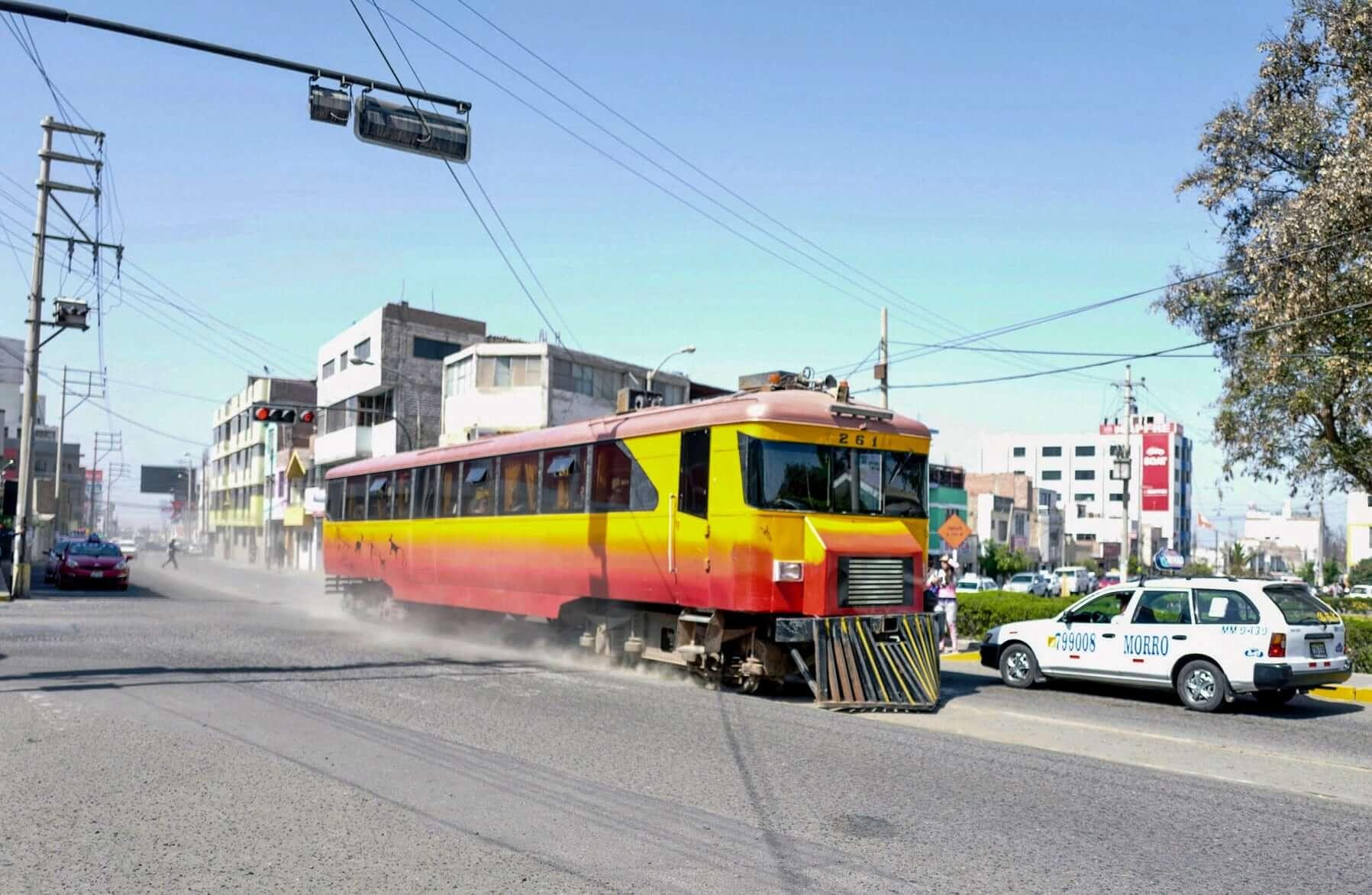 Train from Arica arrives in Tacna, Peru