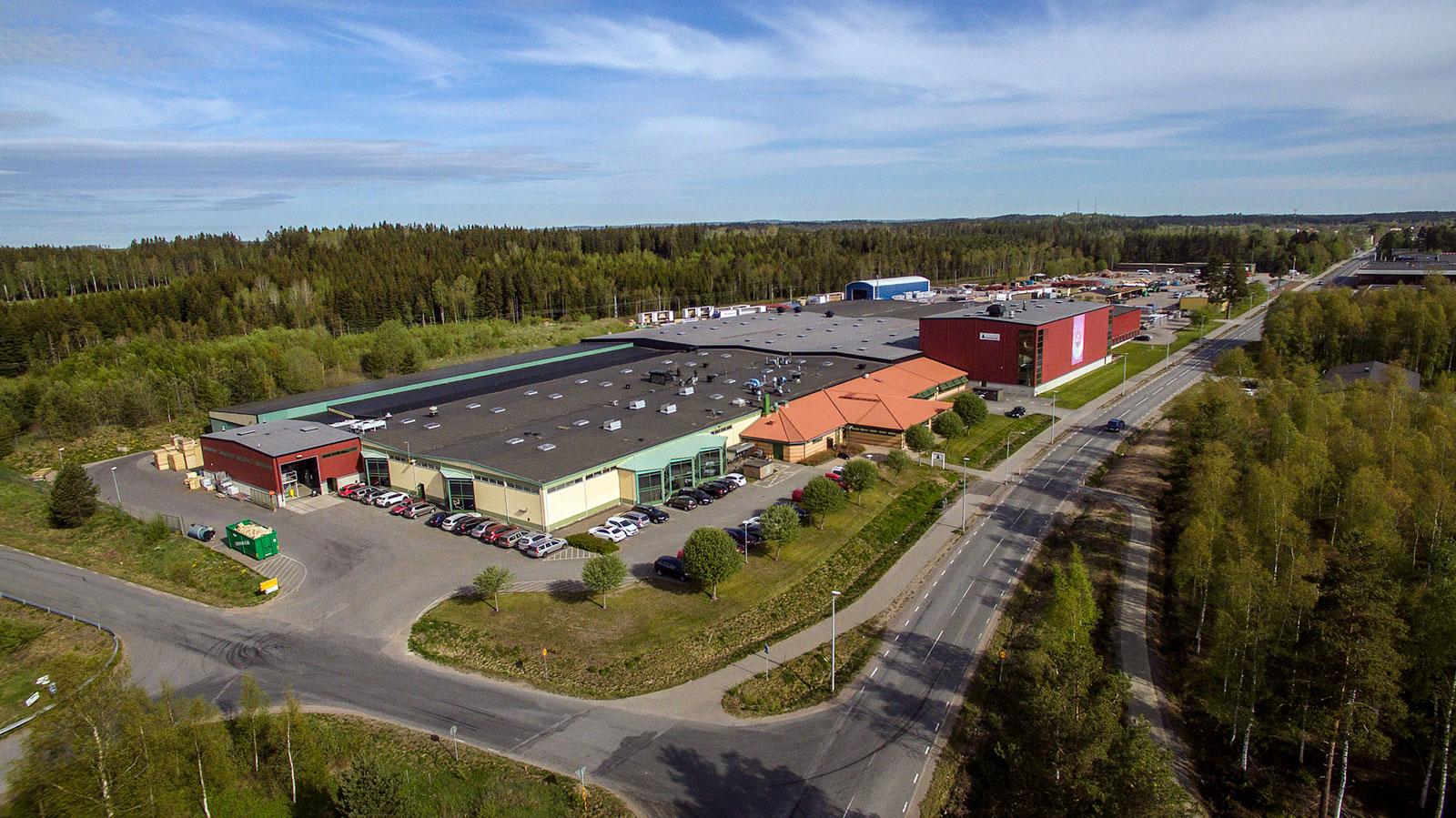 Nordens största pulverlackerare av aluminiumprofiler.
