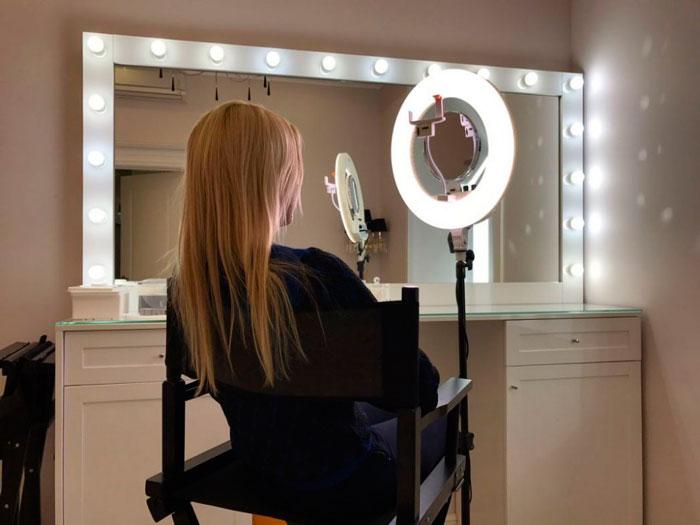 кольцеваялампа или гримерное зеркало