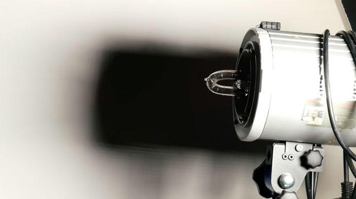 эффект размножения теней от кольцевой лампы без рассеивателя
