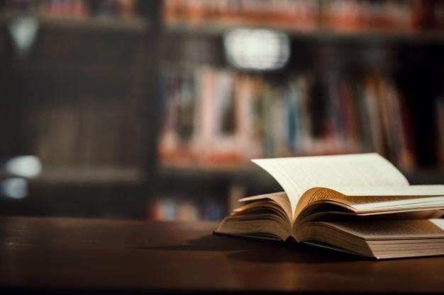 Почитать на выходных: 10 Telegram-каналов с обзорами и подборками интересных книг