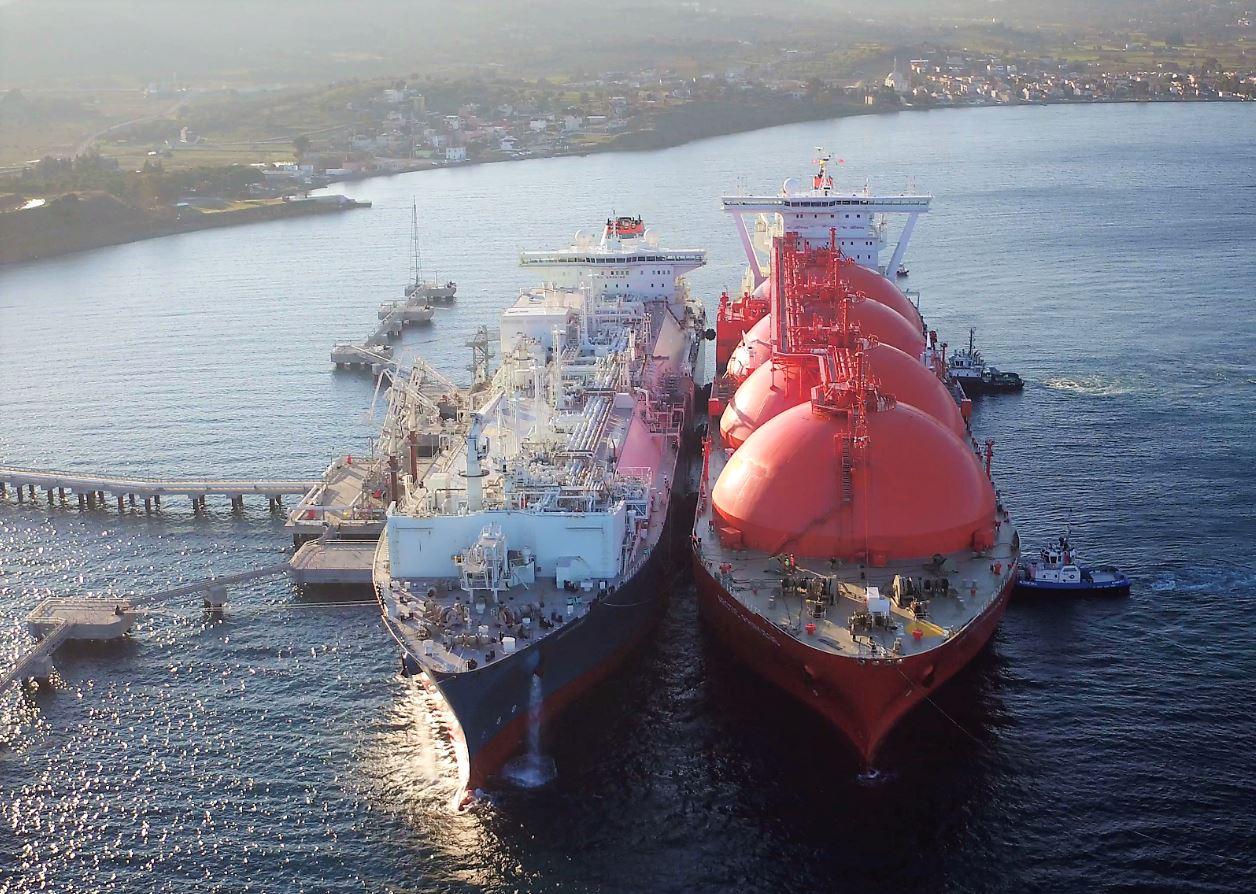 FSRU and LNG carrier