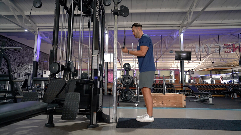 Single Hand Tricep Pull Down