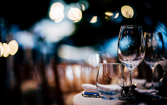 Table setting with wine glasses