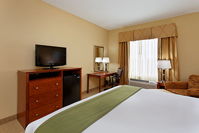 Holiday Inn Express room 2