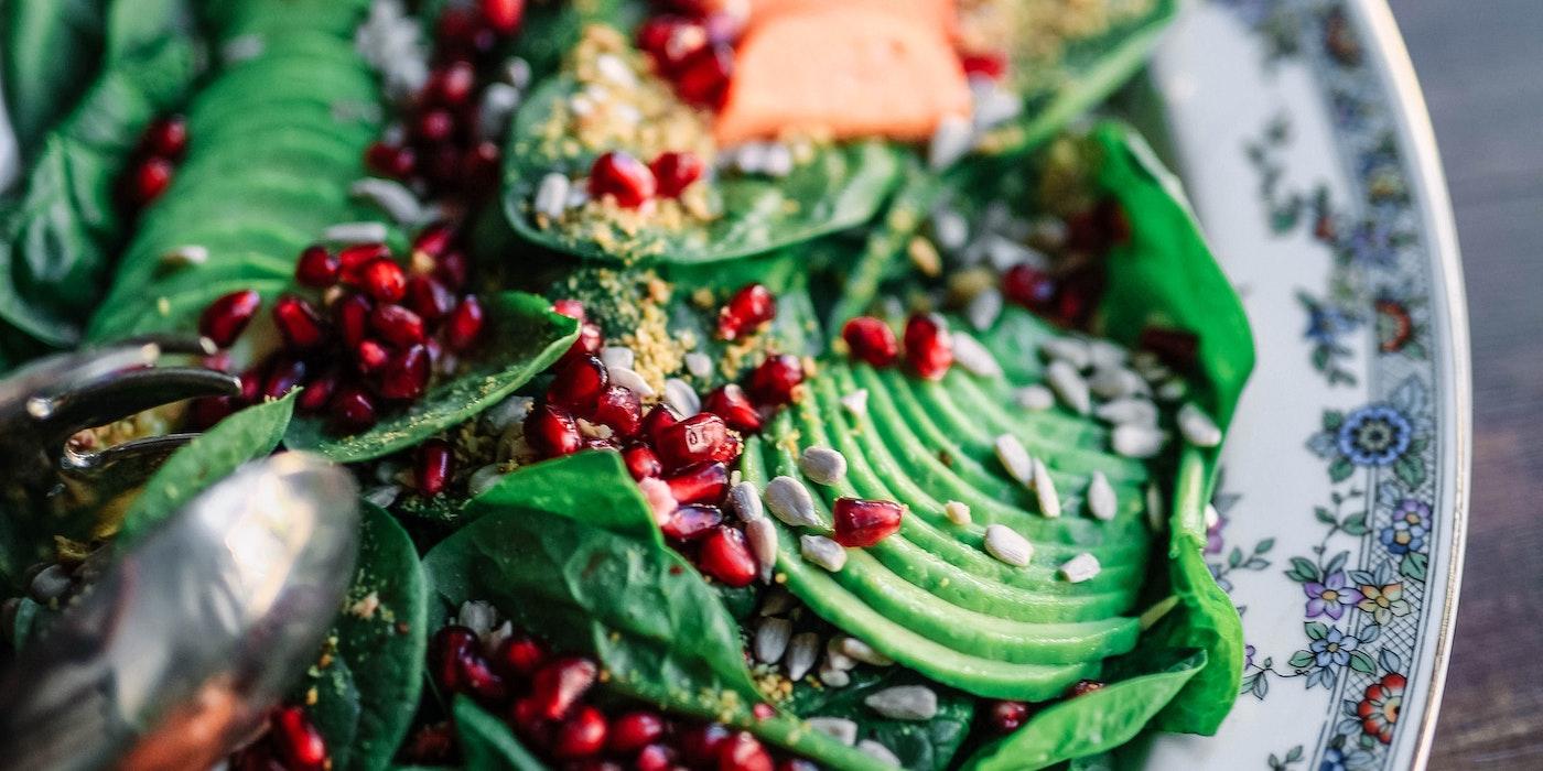 Gesunde Bowl mit grünem Salat | Edgar Castrejon - Unsplash