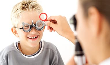 Kontaktlinsen bei fortschreitender Kurzsichtigkeit für Kinder und Jugendliche