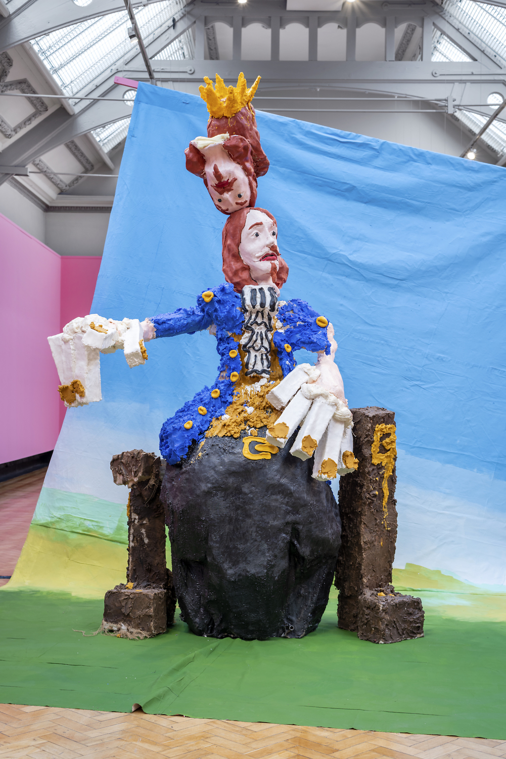 Jamie Fitzpatrick, The King, 2019. Wax, Polystyrene, Silicone, Hessian, Steel, Wood, Audio Equipment & Animatronic Components. 296 x 176 x 159 cm.