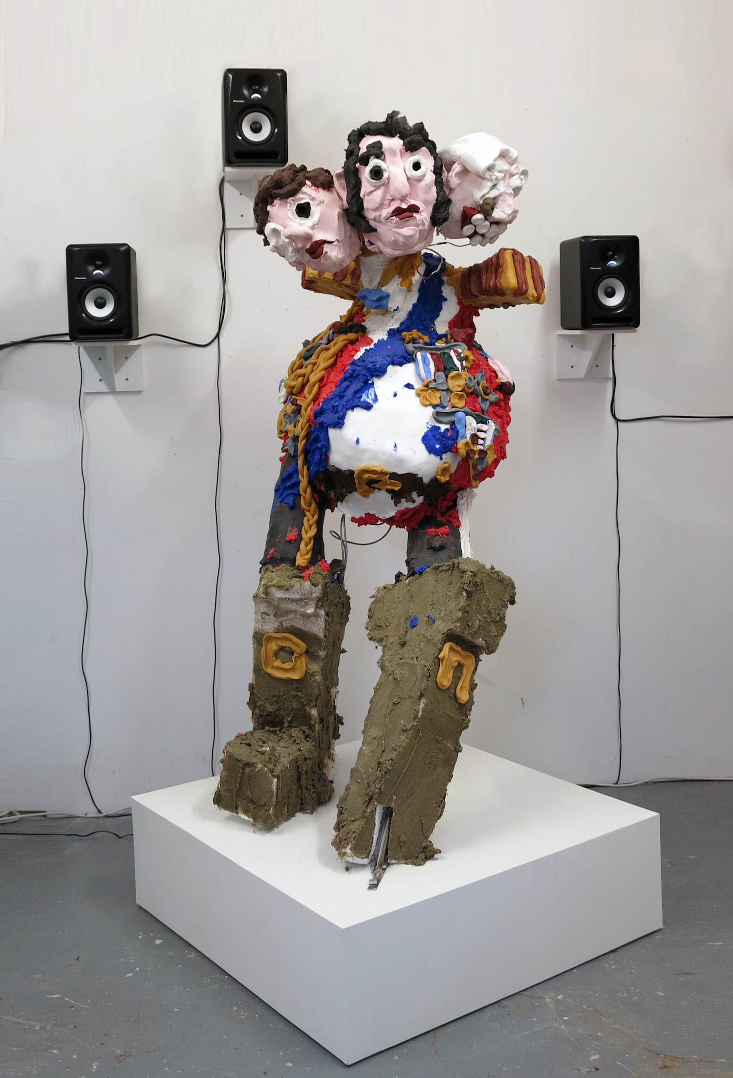 Jamie Fitzpatrick, Until You See the Whites of their Eyes, 2018. Wax, polystyrene, silicone, hessian, steel, animatronic components, audio. 213 x 102 x 103 cm.