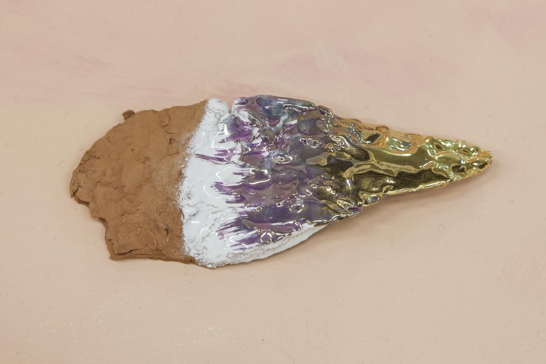 Ludovica Gioscia, Gold Flint, 2017. Ceramic. 22 x 9 x 3 cm.