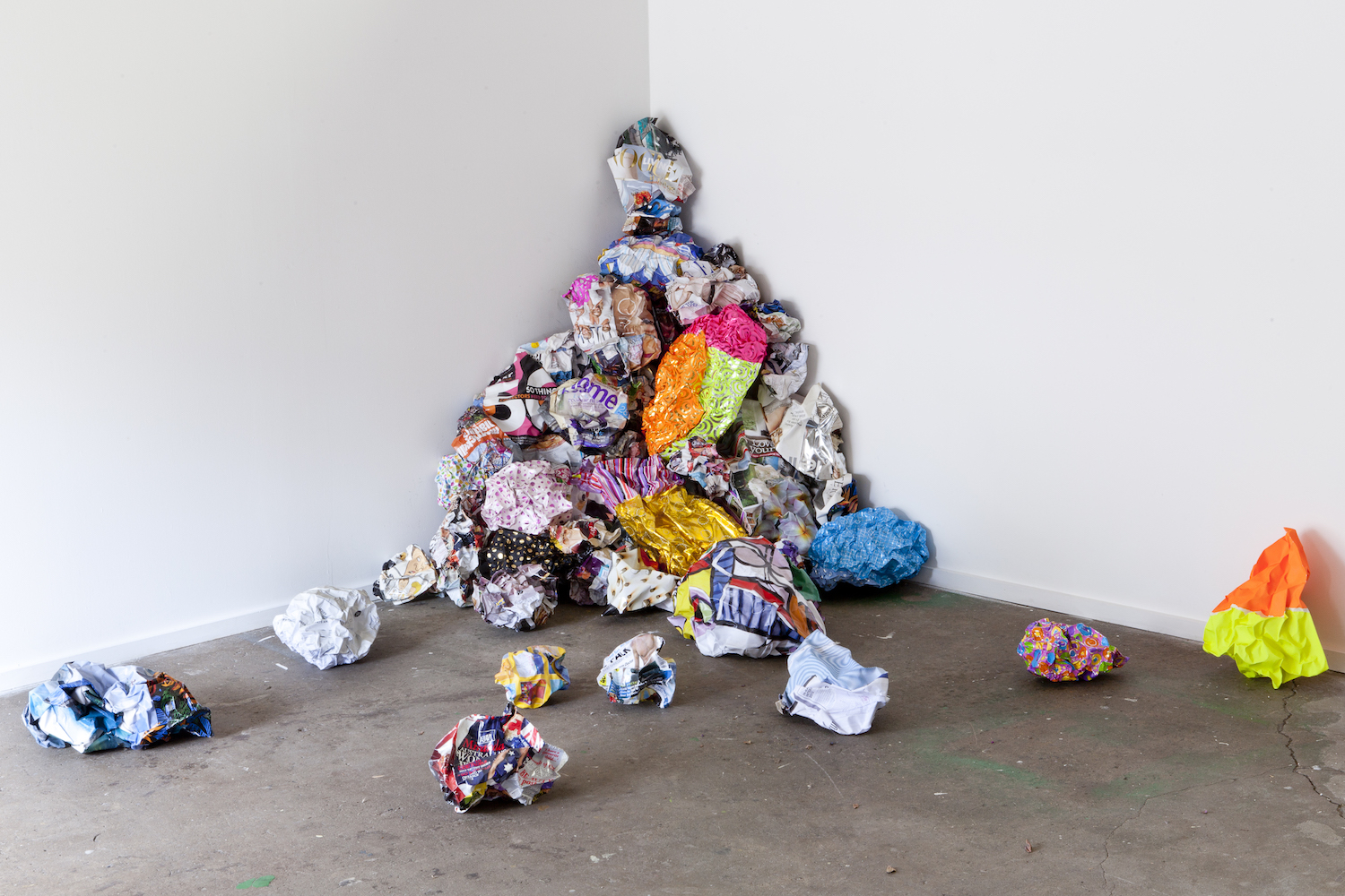 Ludovica Gioscia, Pack, Store, Clean, 2012. Installation view. Index, Sydney, AU. Photographer: Alex Wisser.