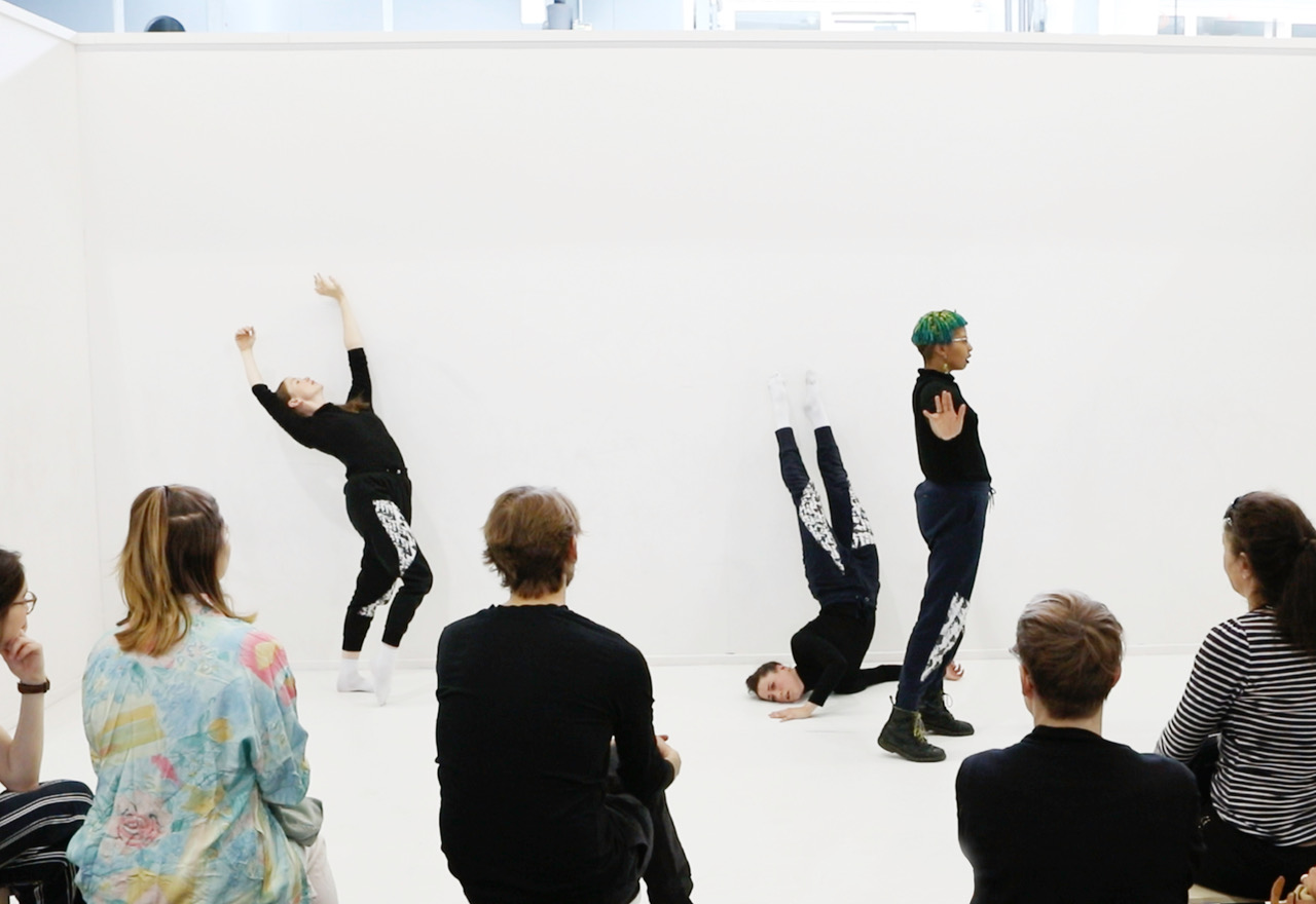 Nicole Bachmann, A circle whispering dot, 2019. Performance. Performed by Patricia Langa, Sonya Frances Cullingford and Legion Seven. Swiss Art Awards 2019, Basel, CH.