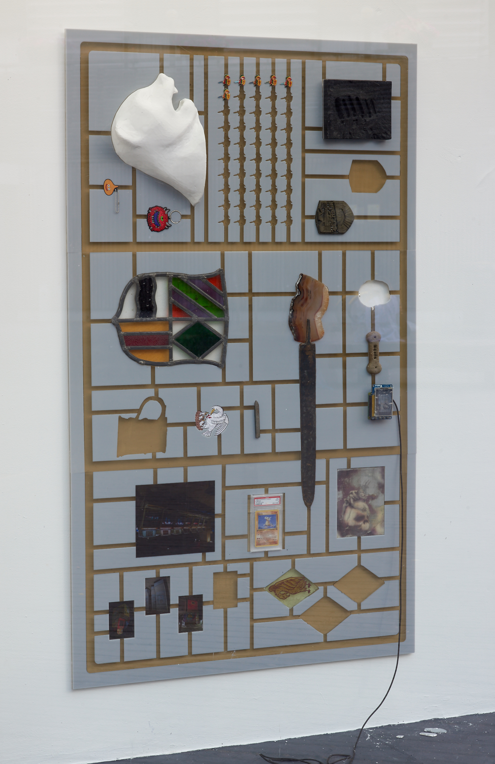 Liv Preston, saturnism, 2018. Sprue system, mixed media*, found objects*, bronze, metal punch, stained glass, lead, acrylic. VITRINE London. Photographer : Jonathan Bassett.