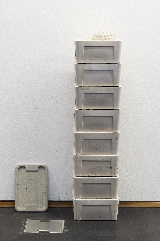 Nadim Abbas, Salma Stack (8), 2019. Cast concrete. 100 x 17.5 x 25.5 cm / 1 x 19 x 27.5 cm. Photographer Nici Jost.