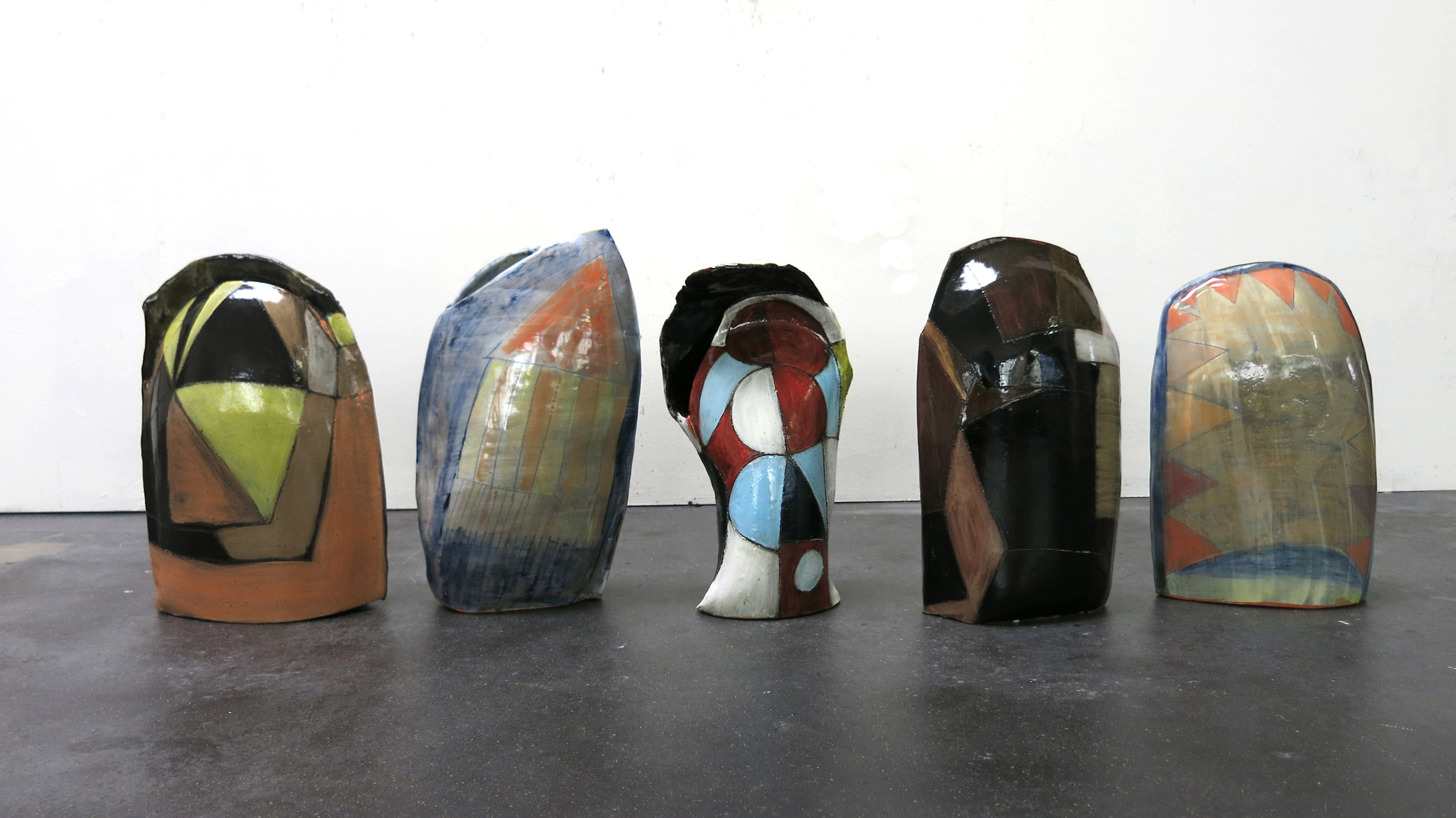 Sara Gassmann, WÜNSCHELRUTEN (medium), 2016. Glazed ceramic. Edition of 54.