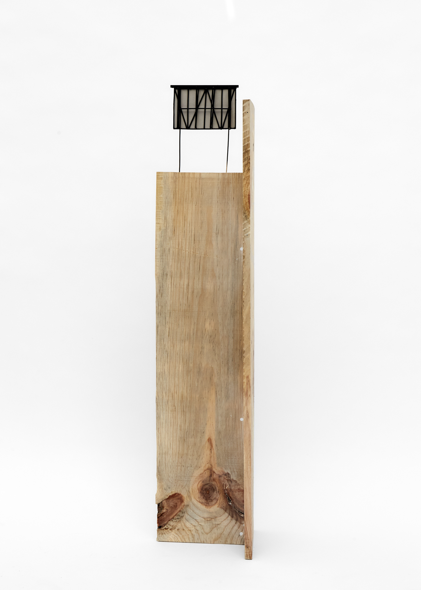 Charlie Godet Thomas, Rooftop Poem (Reap), 2020. Wood, cut section of paper palette, wooden dowels, plastic, screws, glue, acrylic paint. 124 x 24 x 26 cm.