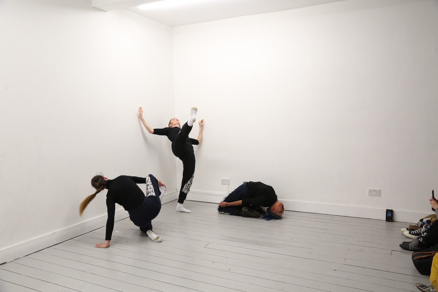 Nicole Bachmann, A circle whispering dot, 2019. Performance. Performed by Patricia Langa, Sonya Frances Cullingford and Legion Seven. Mimosa House, London, UK.