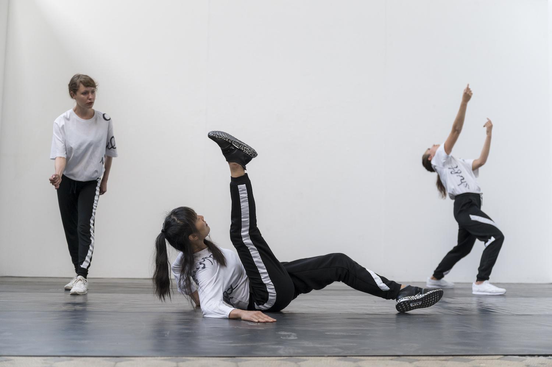Nicole Bachmann, or what is, 2020. Performance. Performed by Jia-Yu Corti, Isabel Alvarez and Sofia Liebermann. 00:30:00. E-Werk Freiburg, DE. Photographer: Marc Doradzillo.
