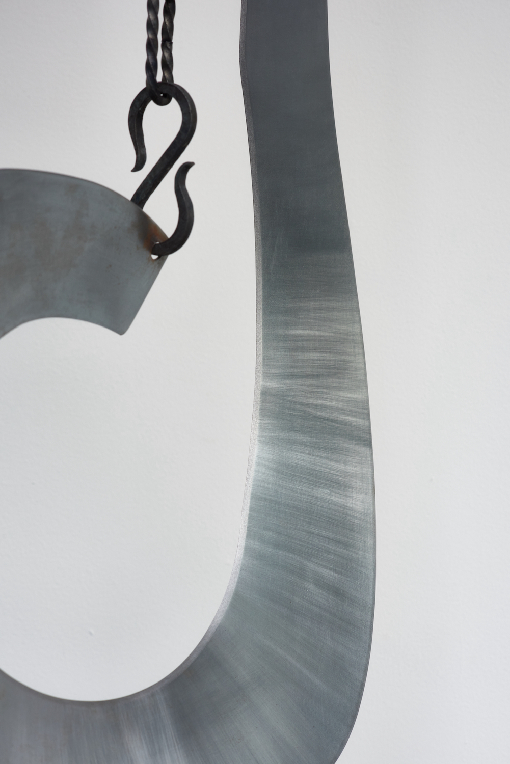 Tarek Lakhrissi, BETRAYING FAMILY (detail), 2021. Steel and steel chains. 68 x 42 x 5 cm.