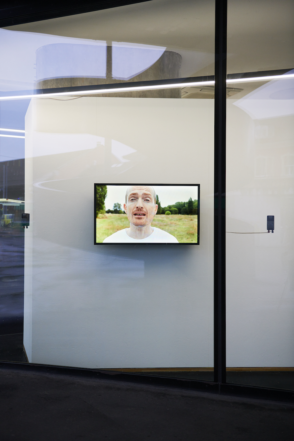 Nicole Bachmann, along the rims, 2020. HD Single Channel Video installed with window speakers. 00:25:00. Photographer: Nici Jost.