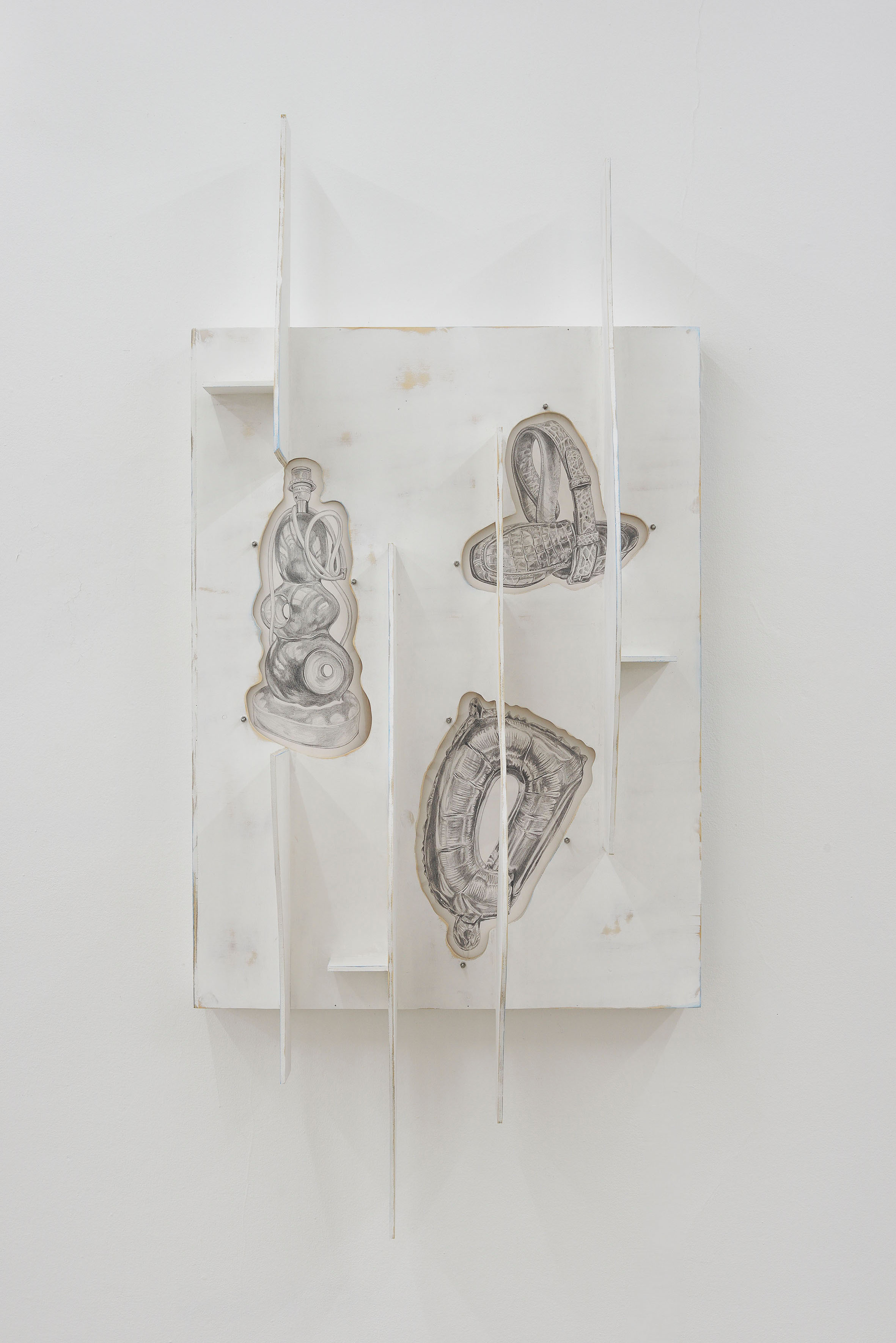 Milly Peck, Facciata II, 2021. Paint on plywood, perspex, chalk, pencil on paper, bolts, magnets. 201 x 91 x 37 cm. Photographer: Roberto Apa.