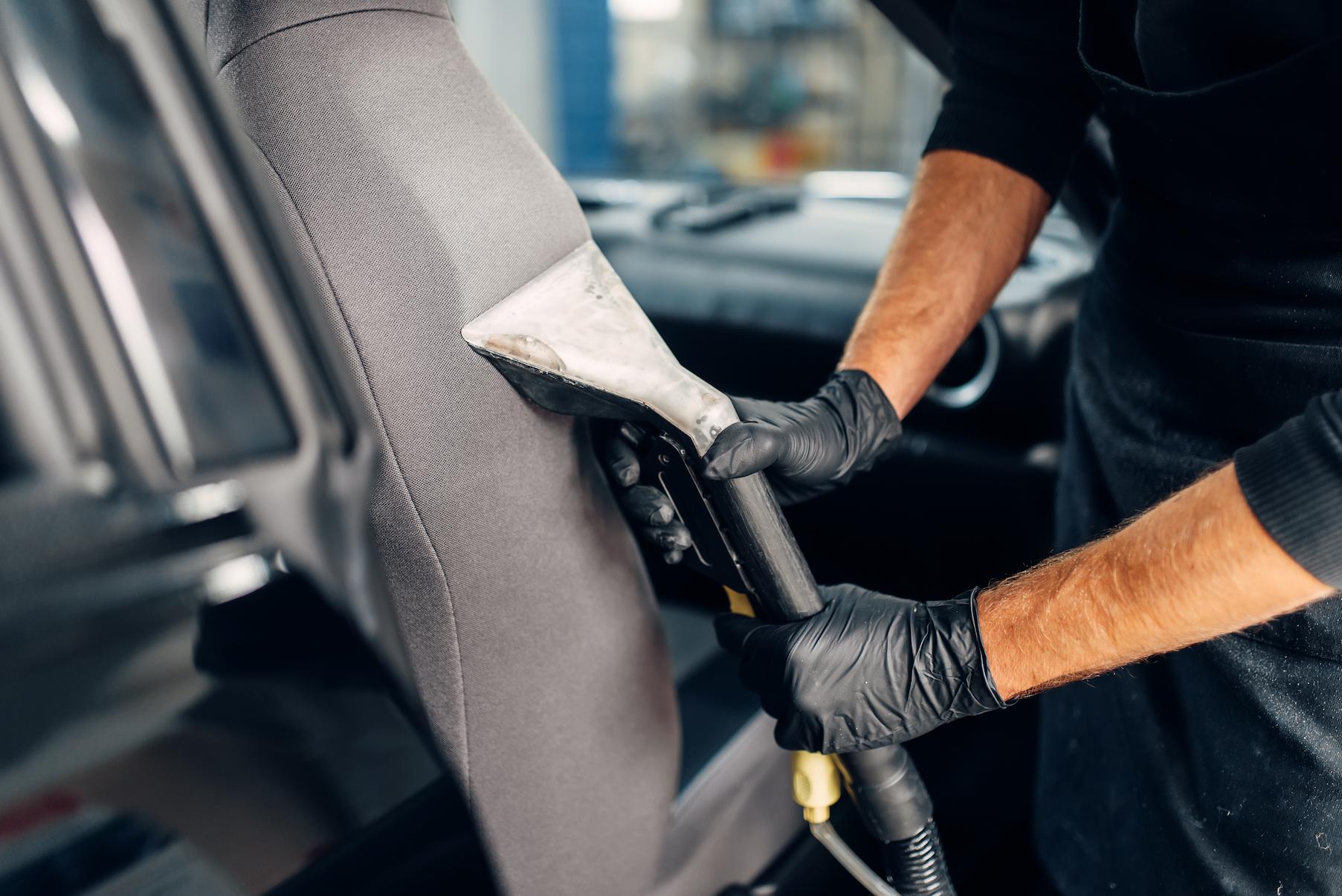 Nettoyage voiture intérieur