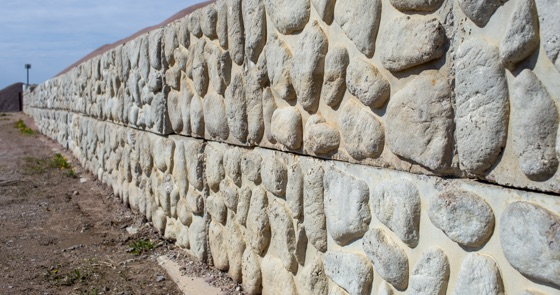 concrete rockface retaining wall