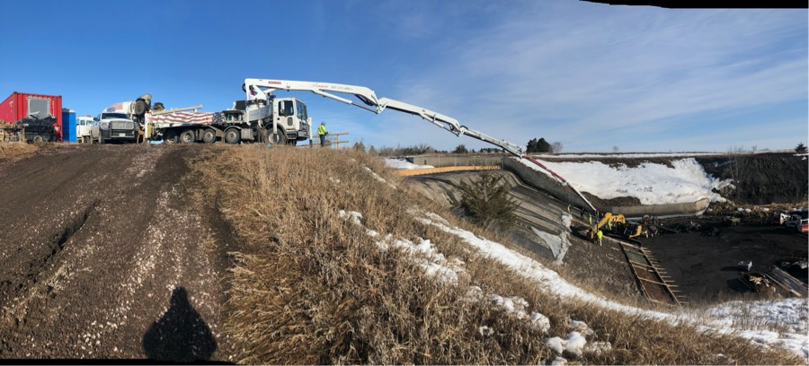 pump truck repairing mina dam