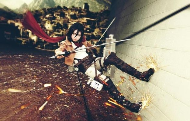 Jesuke cosplaying Mikasa with weapon and gear | We Love This Super Realistic Attack on Titan Cosplay