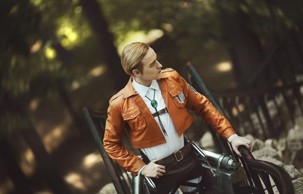 Kmitenkova cosplaying commander Erwin Smith | We Love This Super Realistic Attack on Titan Cosplay
